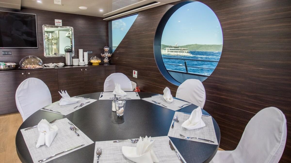 Brod Adriatiq Queen4