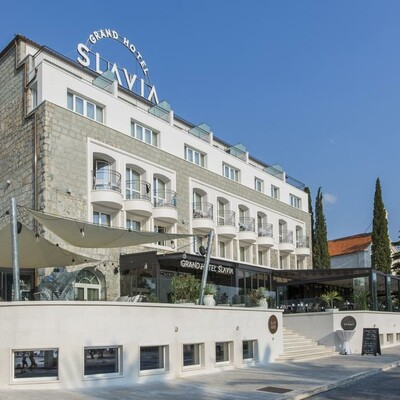 Baška Voda, Grand Hotel Slavia