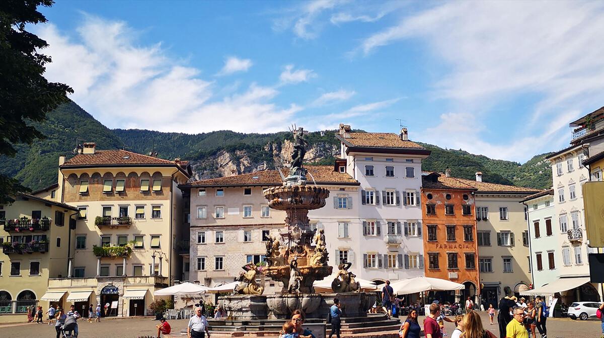 Neptunova fontana, putovanje Dolomiti i planinska bajka, Trento, mondo travel