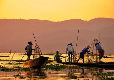 Myanmar, Inle, Ribari na zalasku sunca