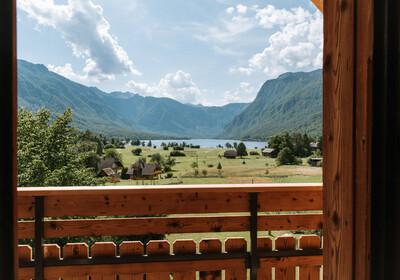 Slovenija, Bohinj, Apartmani Triglav, soba sa pogledom na Bohinjsko jezero