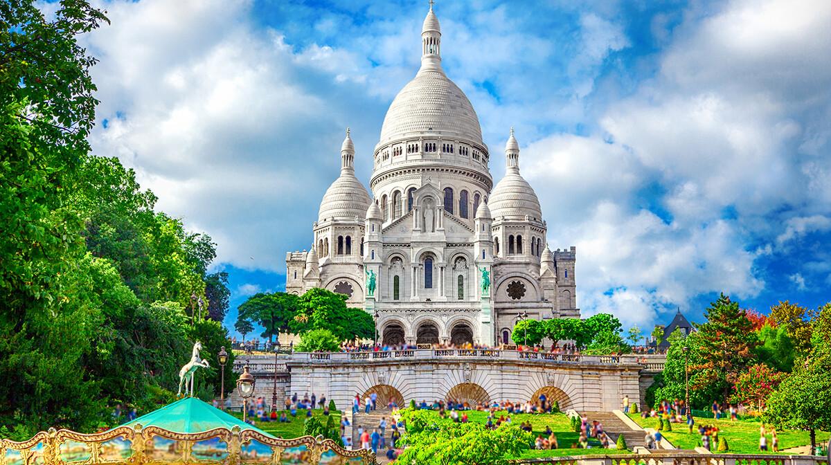 Bazilika srca Isusovog na Montmartru na putovanju Pariz
