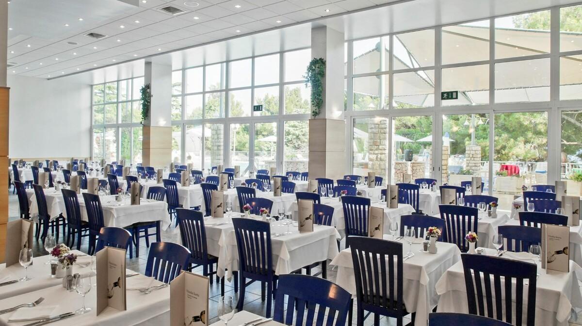 Otok Brač, Bol, Bluesun hotel Borak, restoran