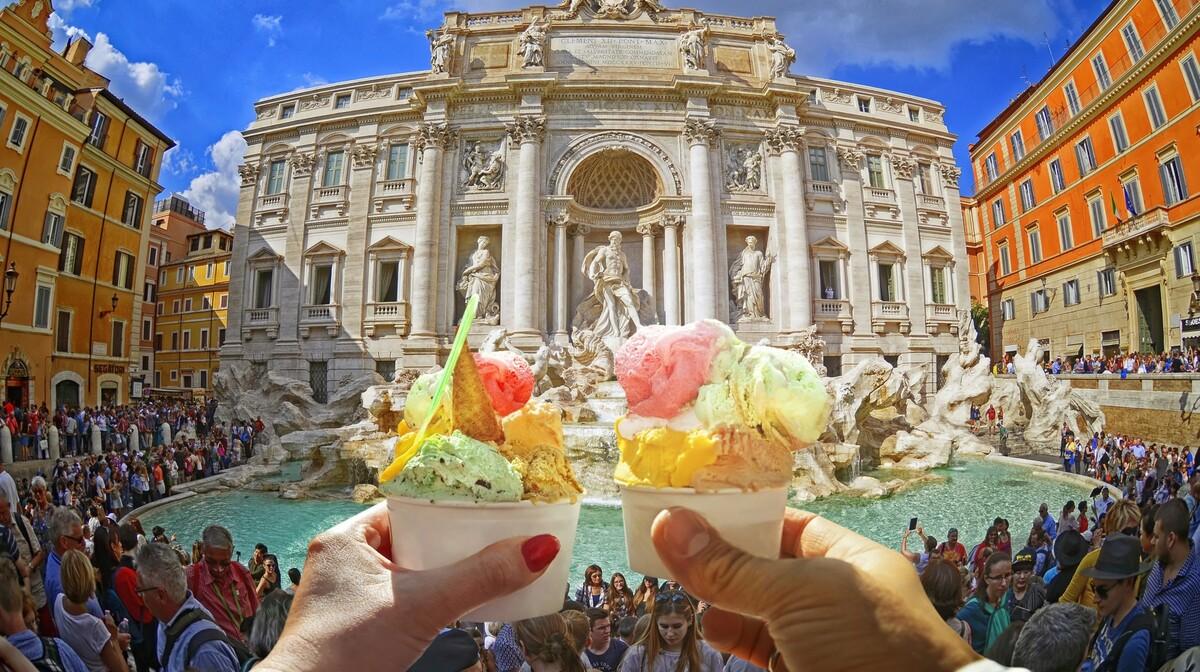 Rim, fontana di Trevi, putovanje u Rim zrakoplovom , putovanje autobusom