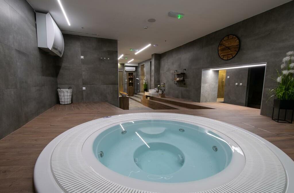 Opatija, Hotel Paris, jacuzzi i saune
