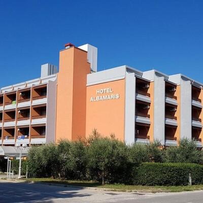 Hotel Albamaris, Biograd