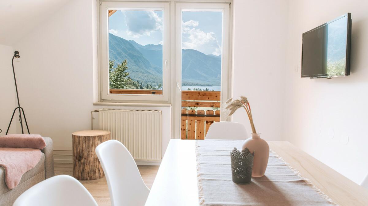 Slovenija, Bohinj, Apartmani Triglav, Deluxe apartman sa balkonom