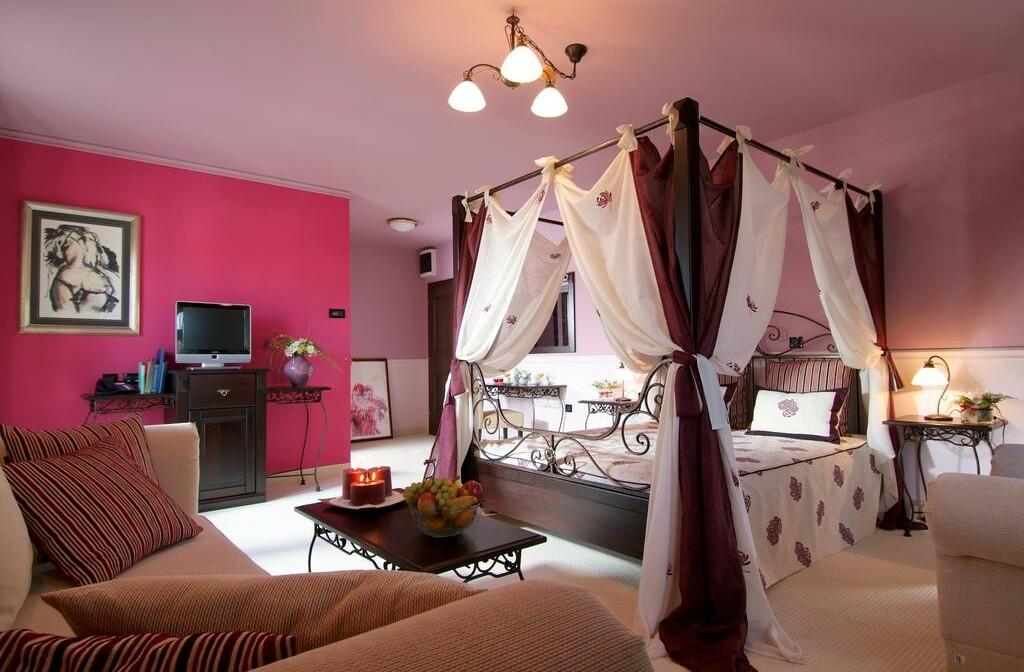 Fužine, Hotel Bitoraj , romantična soba