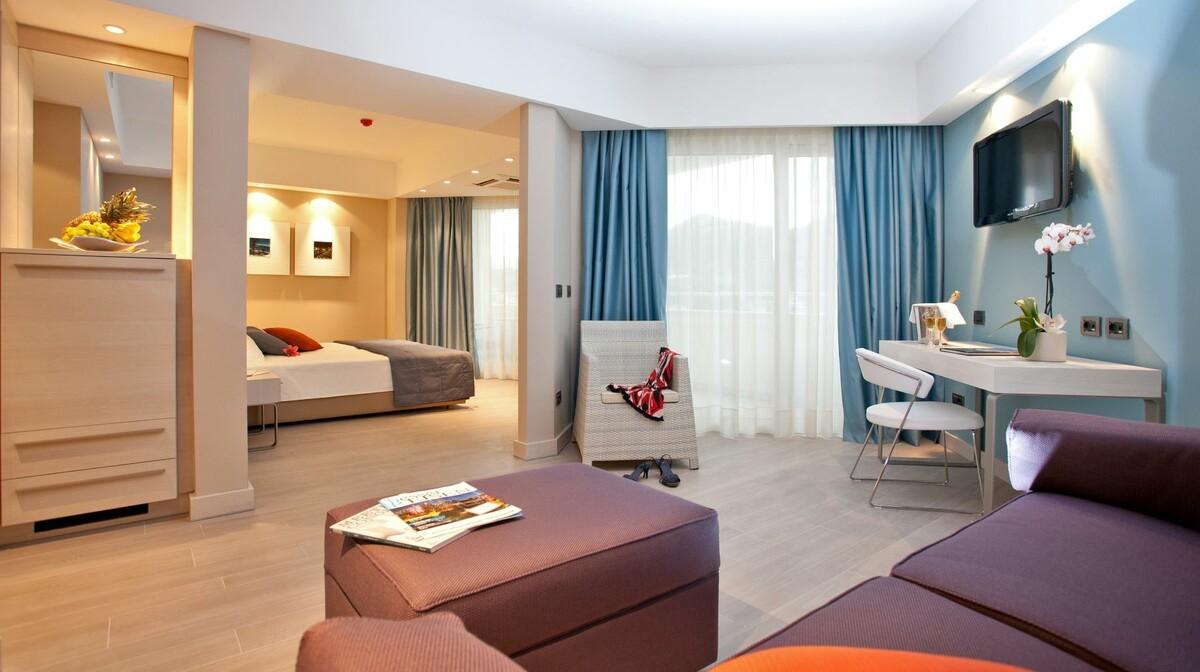 Comfort dvokrevetna soba u hotelu Lafodia Sea Beach.