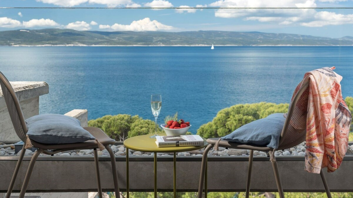 Prekrasan pogled na more sa balkona sobe Bluesun hotela Berulia beack, mondo travel