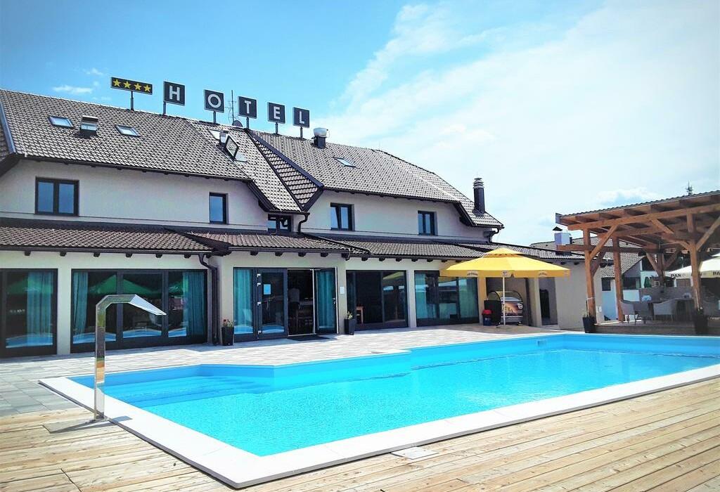 Hotel 16lakes, Grabovac