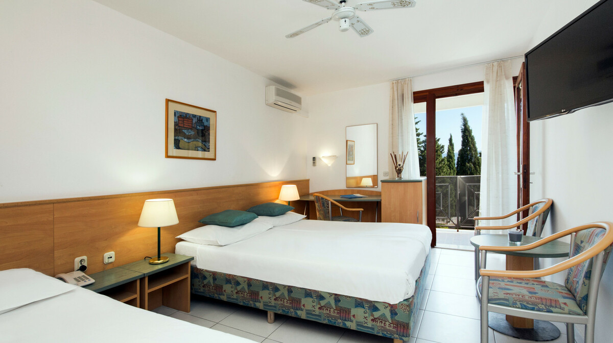 Otok Brač, Bol, Bluesun hotel Bonaca, superior soba