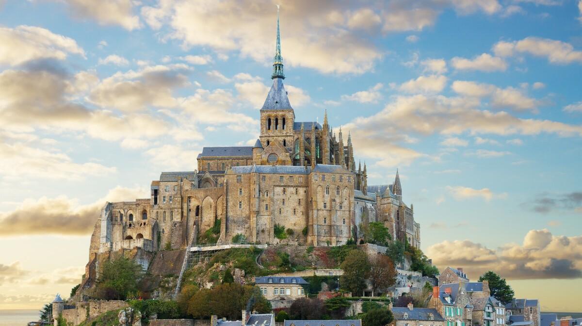 Mont Saint-Michel, putovanje francuska tura, putovanje normandija i bretanja zrakoplovom
