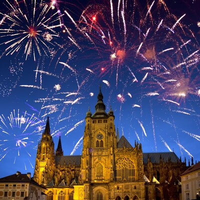 vatromet, autobusna putovanja, Mondo travel, europska putovanja, Nova Godina u pragu