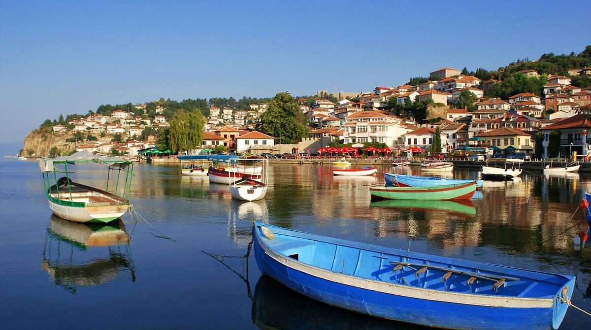 Makedonija, Ohridsko jezero-putovanje autobusom