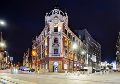 Poljska putovanje, Katovice glavni trg po noći