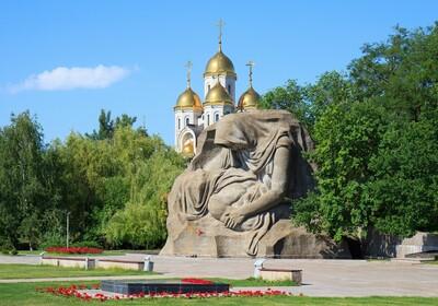Rusija - Volgograd, Spomenik majčinim tugama u Mamaev Kurganu
