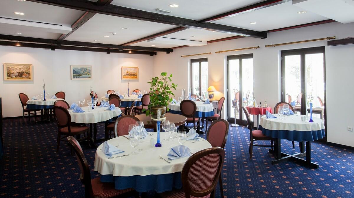 Skijanje i wellness u Sloveniji, Bohinj Hotel Jezero, restoran Zlatovčica