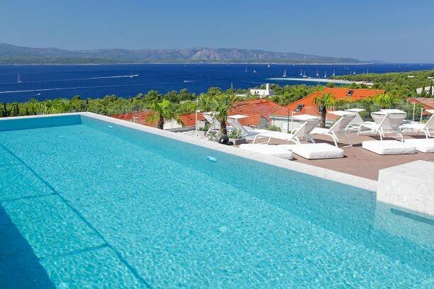 Hotel Vitar bazen i sunčalište