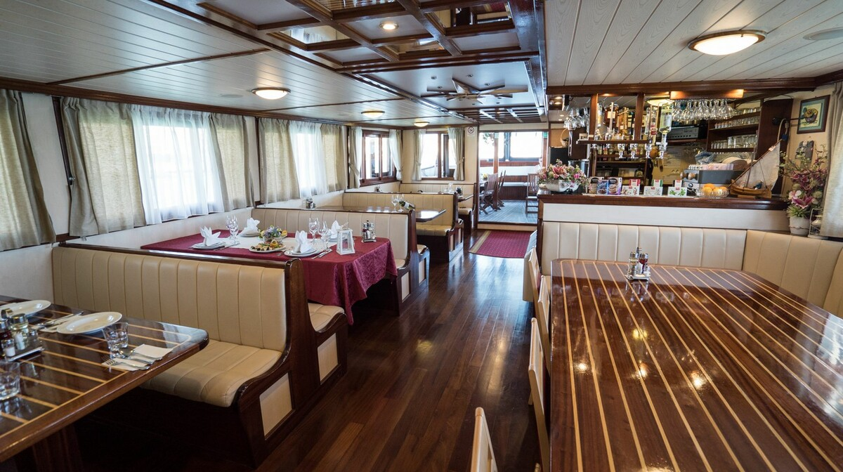 Brod_eden_-_Krstarenje_iz_Splita5